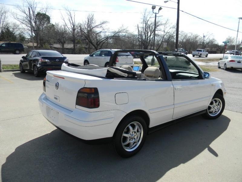 Volkswagen Cabrio 2000 price $5,995
