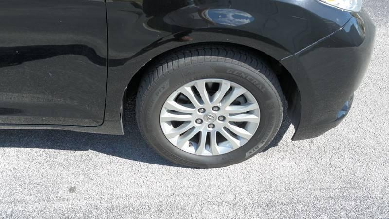 Toyota Sienna 2011 price $8,999