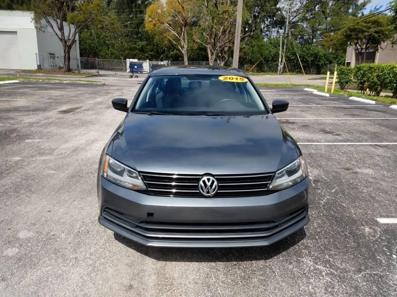 Volkswagen Jetta 2015 price $6,999