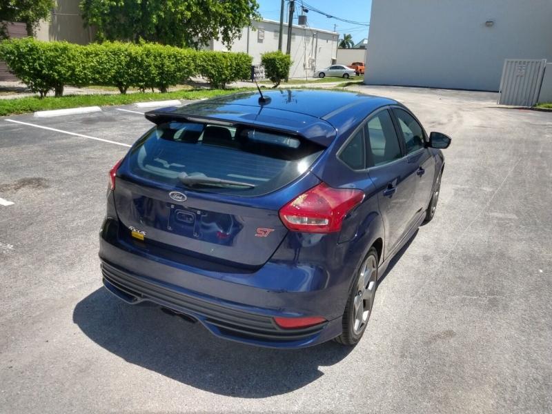 Ford Focus 2017 price $13,999