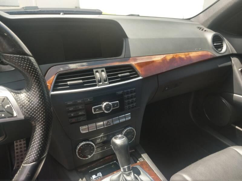 Mercedes-Benz C-Class 2014 price $13,499