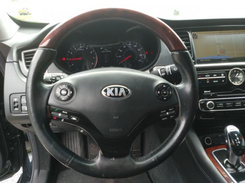 Kia K900 2015 price $15,499