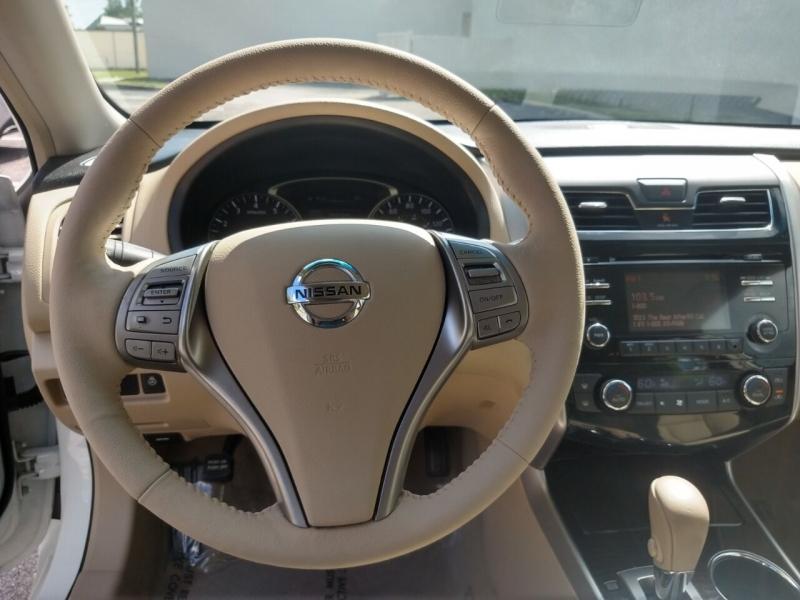 Nissan Altima 2013 price $9,899