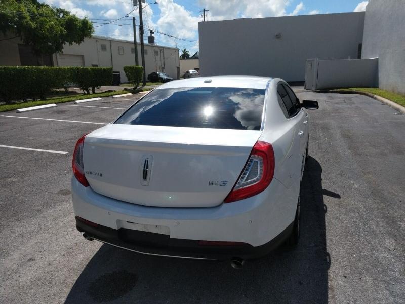 Lincoln MKS 2013 price $11,499