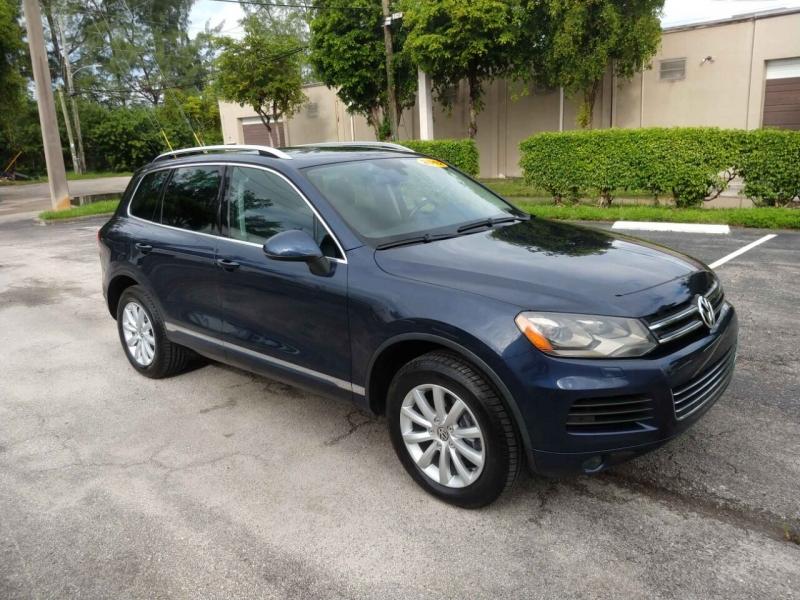 Volkswagen Touareg 2012 price $12,499