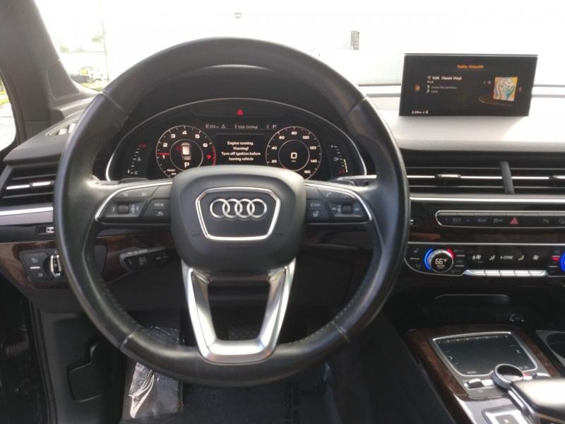 Audi Q7 2017 price $28,800
