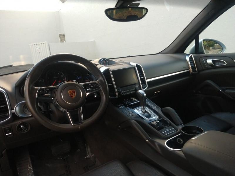Porsche Cayenne 2017 price $33,999