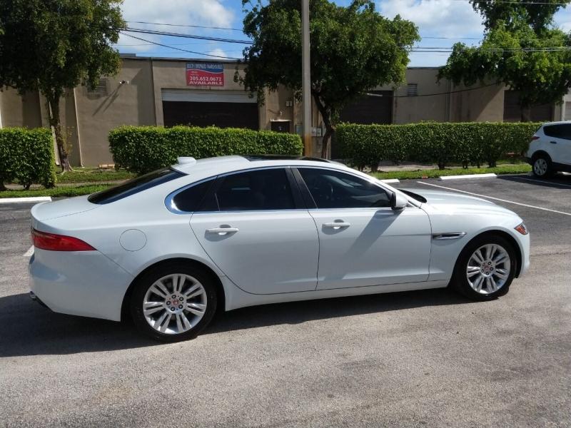 Jaguar XF 2016 price $20,085
