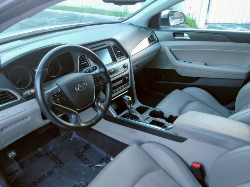 Hyundai Sonata 2017 price $1