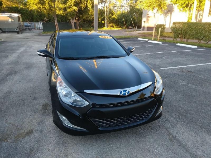 Hyundai Sonata Hybrid 2013 price $7,999