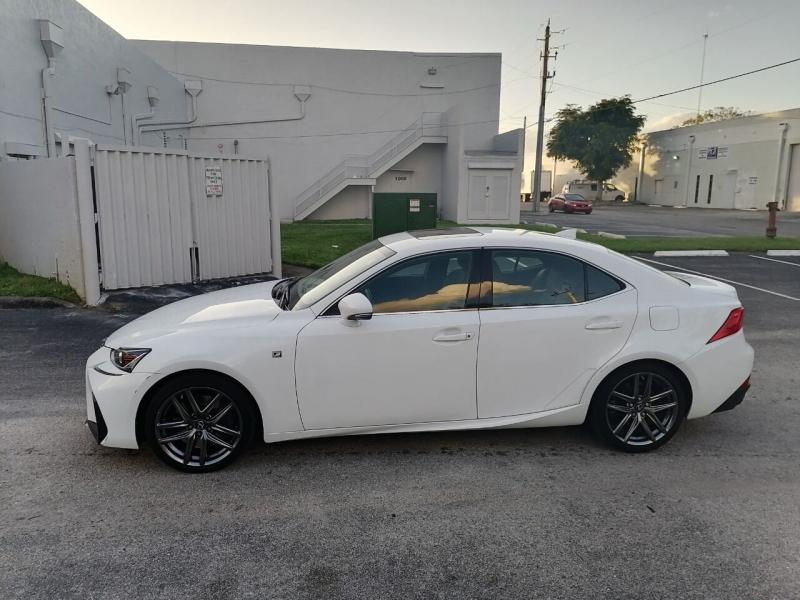 Lexus IS 200t 2017 price $25,499