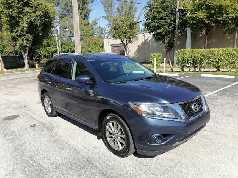 Nissan Pathfinder 2015 price $8,999