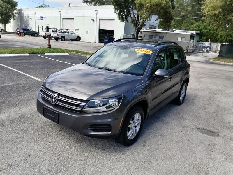 Volkswagen Tiguan 2016 price $11,499