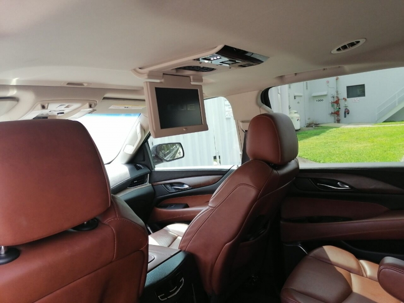Cadillac Escalade 2015 price $31,999