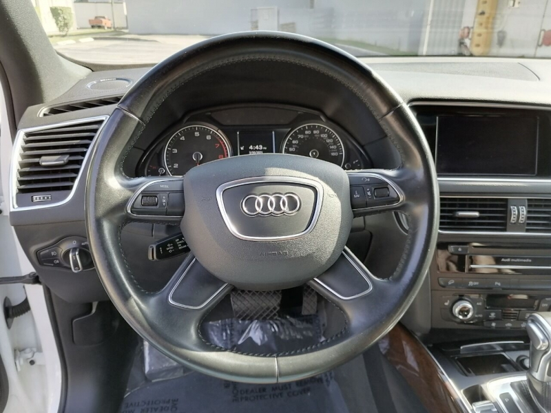 Audi Q5 2015 price $18,499