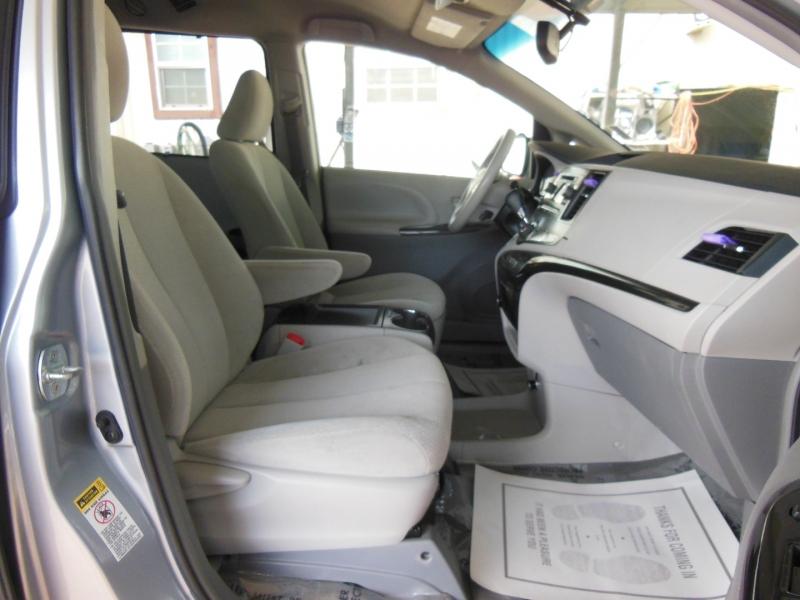 Toyota Sienna 2013 price $0
