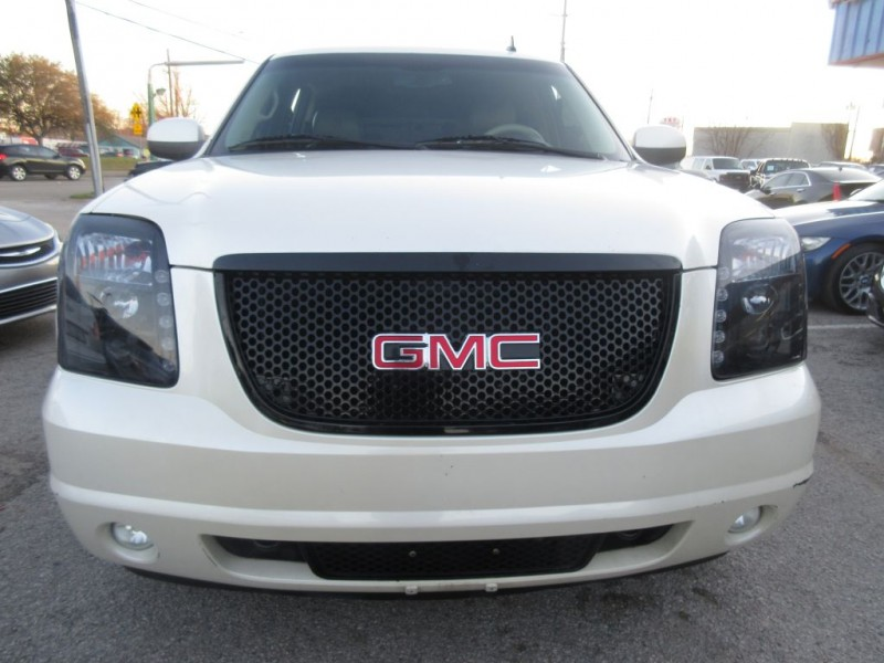 GMC YUKON XL 2009 price $12,999