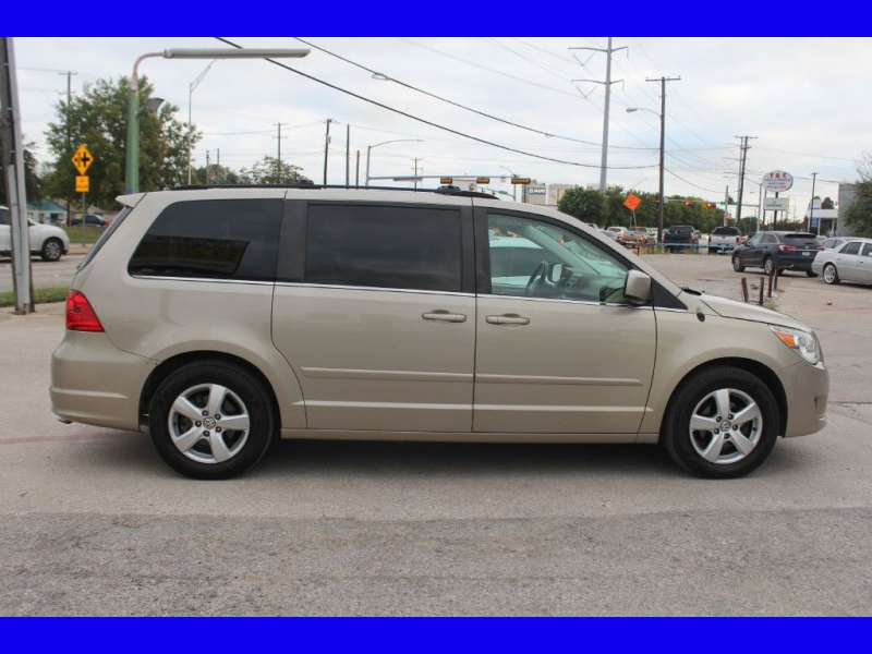 VOLKSWAGEN ROUTAN 2009 price $8,999