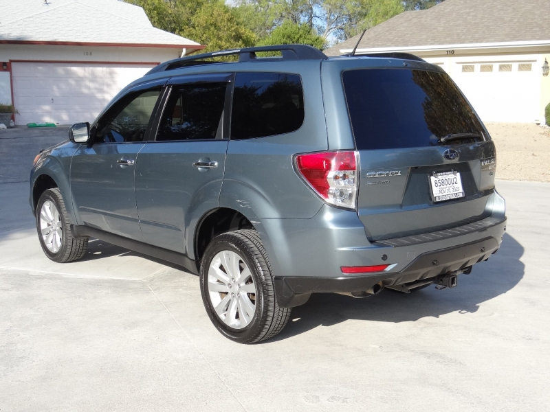 Subaru Forester 2.5X Premium one owner 2013 price $7,495