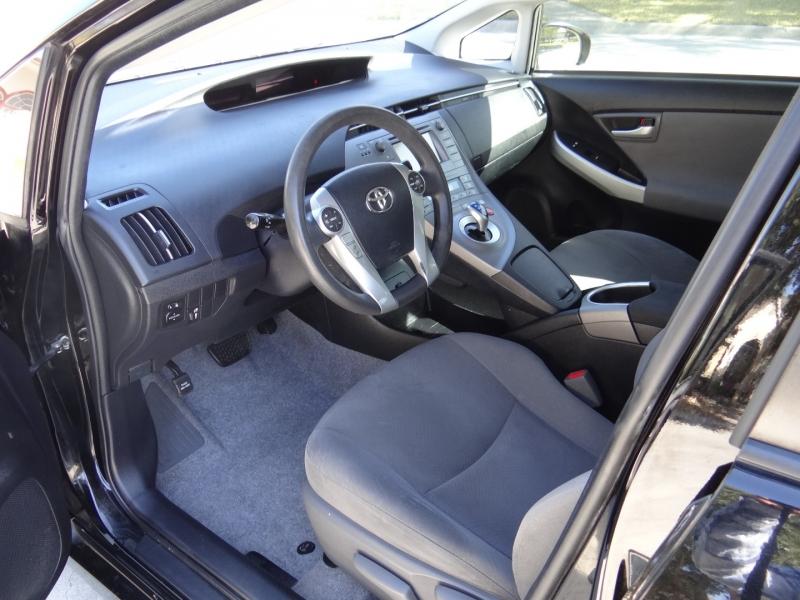 Toyota Prius 2015 price $5,995