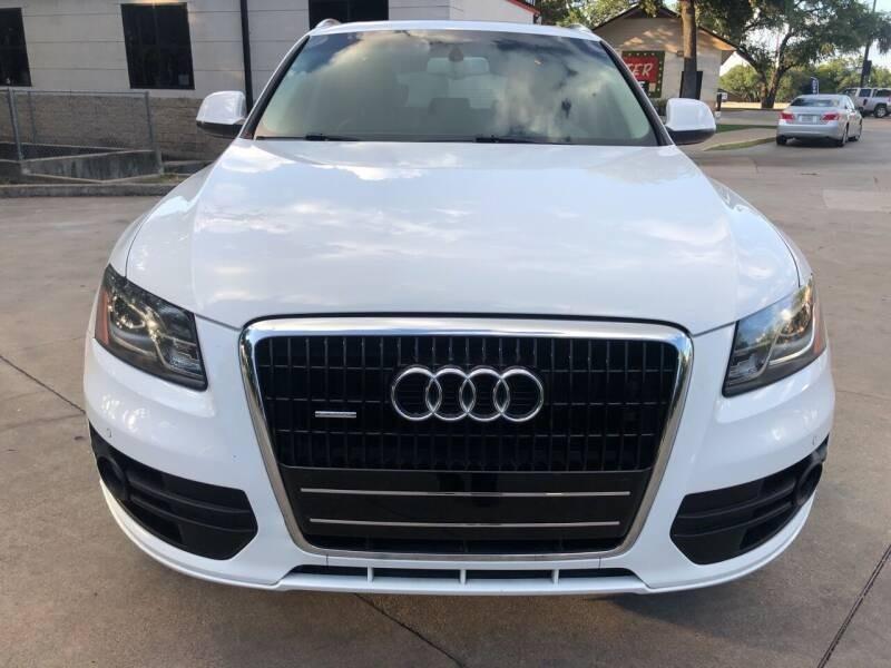 Audi Q5 2010 price $1,402