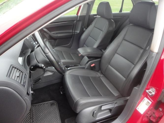 Volkswagen Jetta Sedan 2010 price $1,206