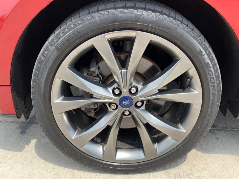 Ford Edge 2016 price $25,900