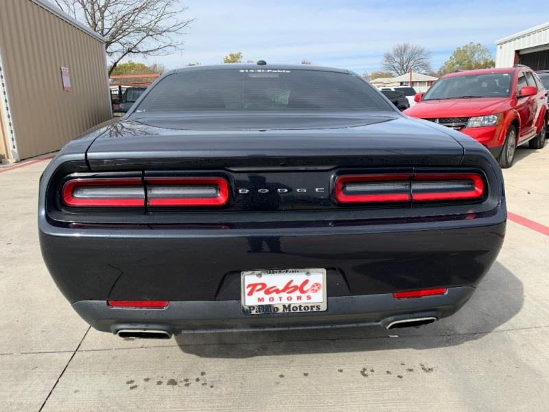 Dodge Challenger 2017 price $25,900