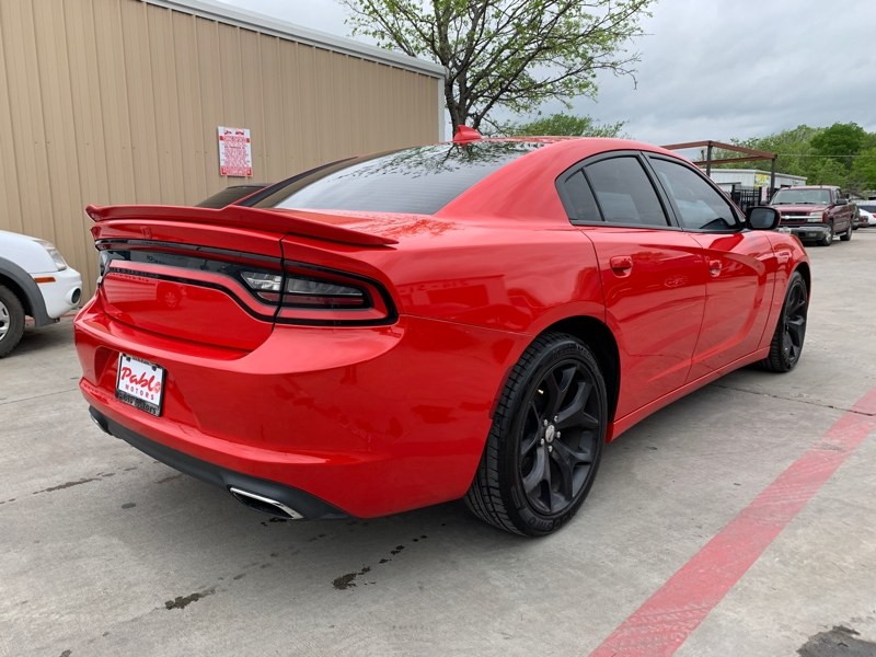 Dodge Charger 2015 price $15,900