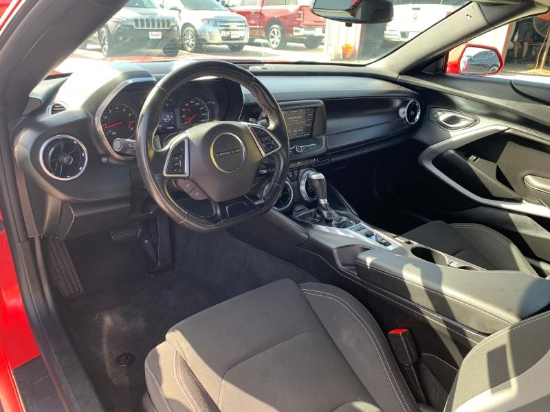 Chevrolet Camaro 2019 price $27,900