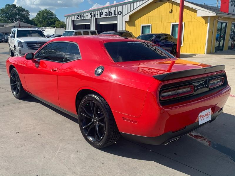 Dodge Challenger 2018 price $30,900