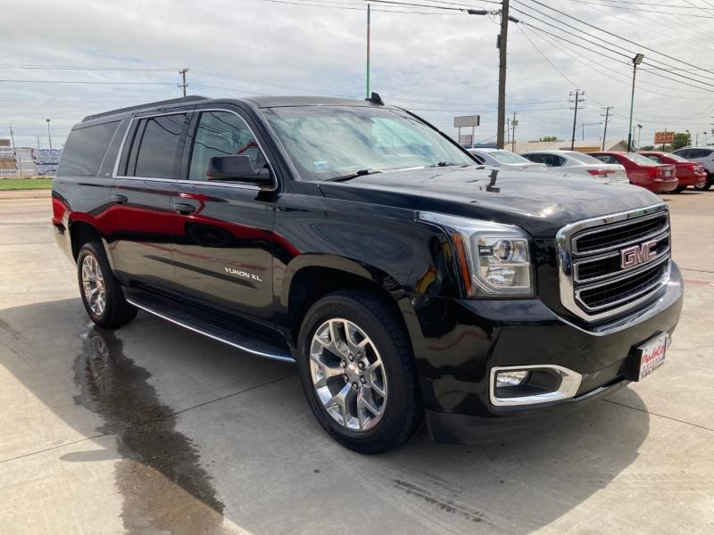 GMC Yukon XL 2015 price $26,900