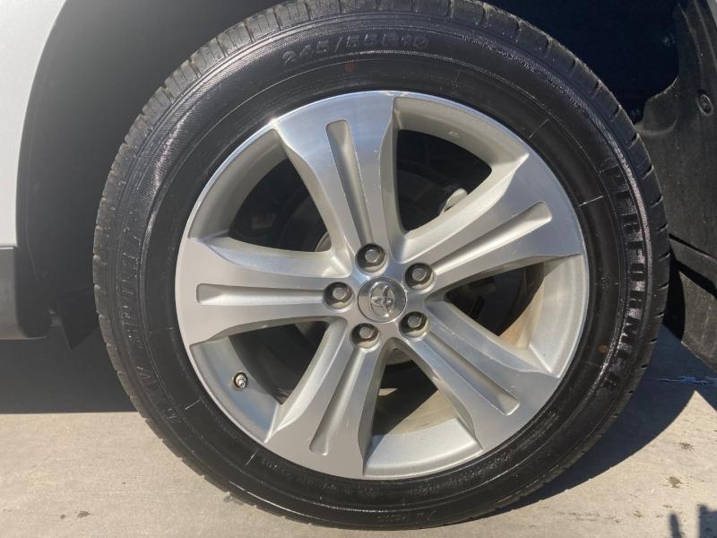Toyota Highlander 2013 price $19,900
