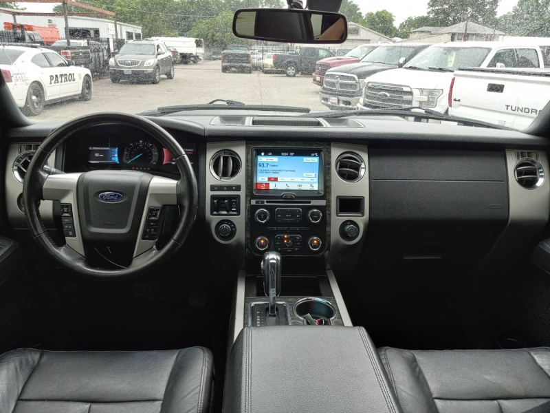 Ford Expedition EL 2016 price $28,900
