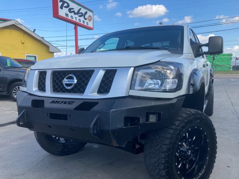 Nissan Titan 2015 price $26,900