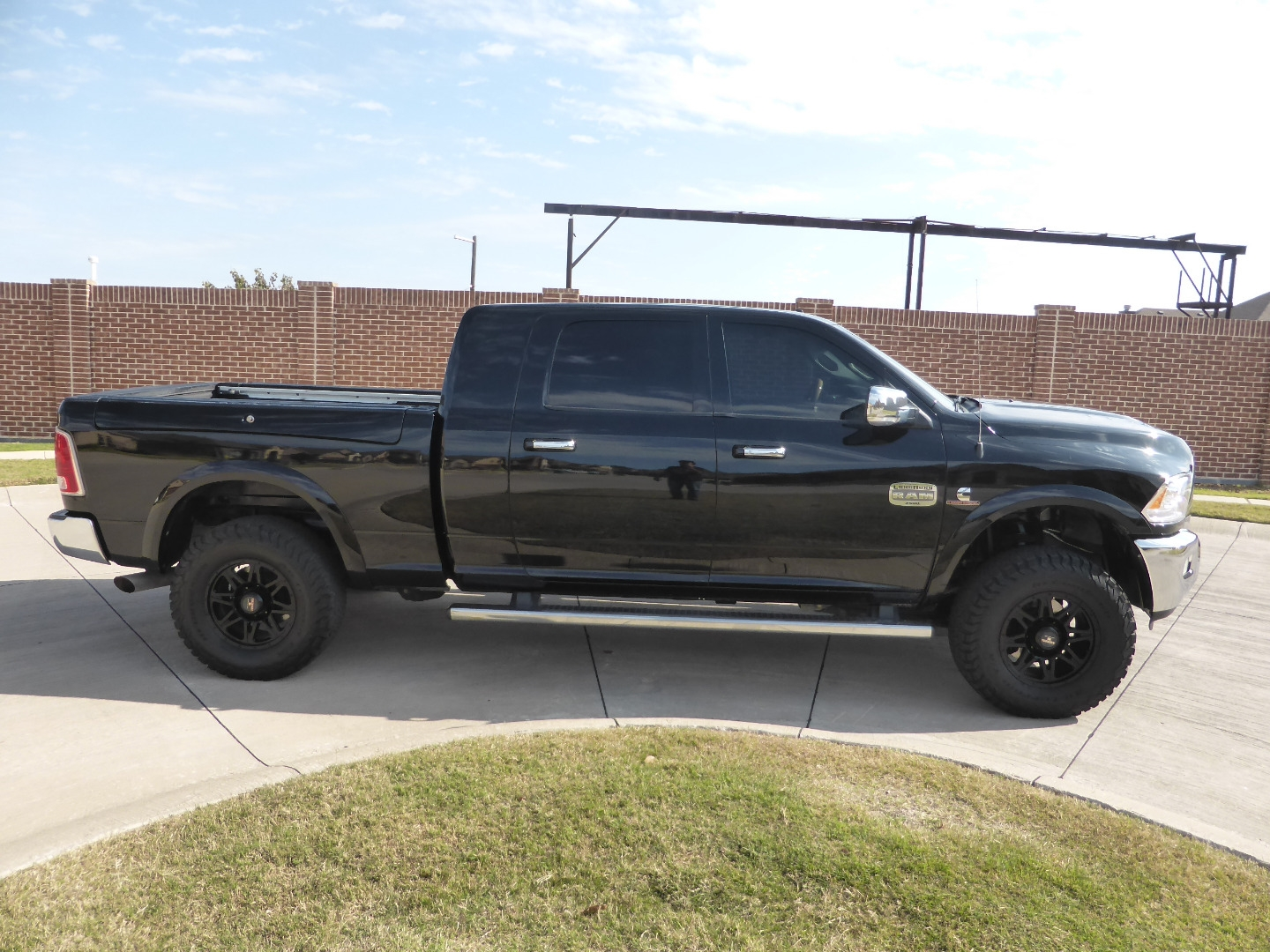 2014 Dodge Ram 2500 4wd Mega Cab Longhorn Diesel Sunroof Navigation Lifted Custom Wheels Village Motors Dealership In Lewisville
