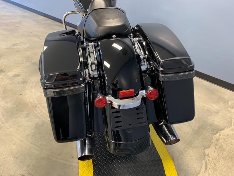 Harley-Davidson FLHX 2017 price $19,995