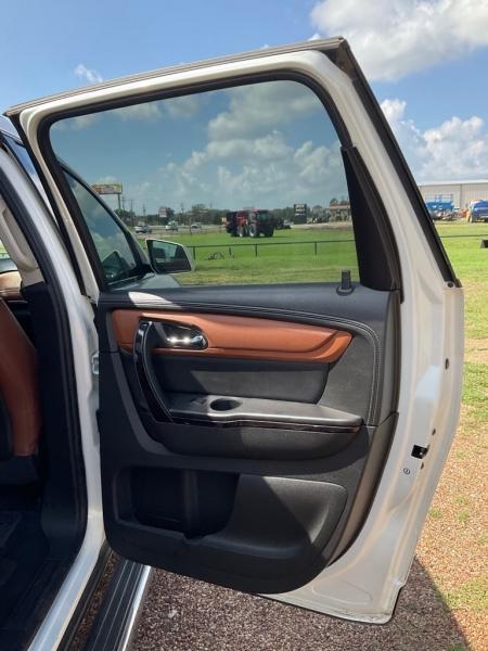 CHEVROLET TRAVERSE 2015 price $19,900