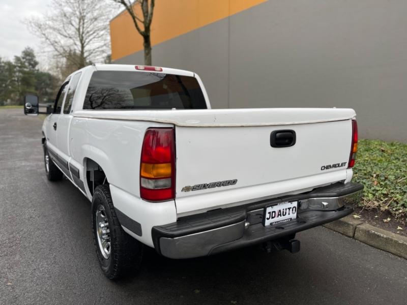Chevrolet Silverado 2500 2000 price $7,995