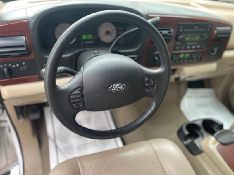 Ford Super Duty F-350 DRW 2005 price $20,995