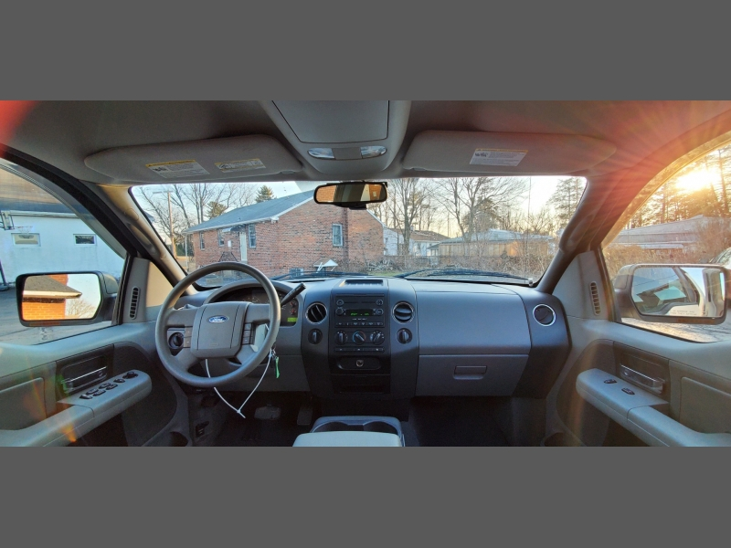Ford F-150 2005 price $9,499