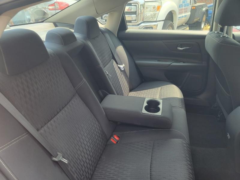 Nissan Altima 2017 price $12,499