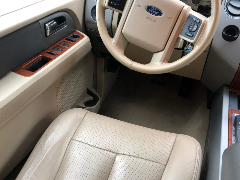 Ford Expedition EL 2007 price $11,990