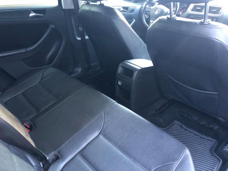 Volkswagen Jetta Sedan 2011 price $6,990