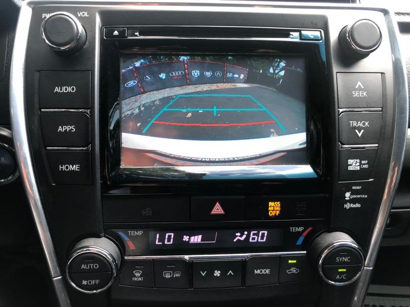 Toyota Camry Hybrid 2015 price $12,990