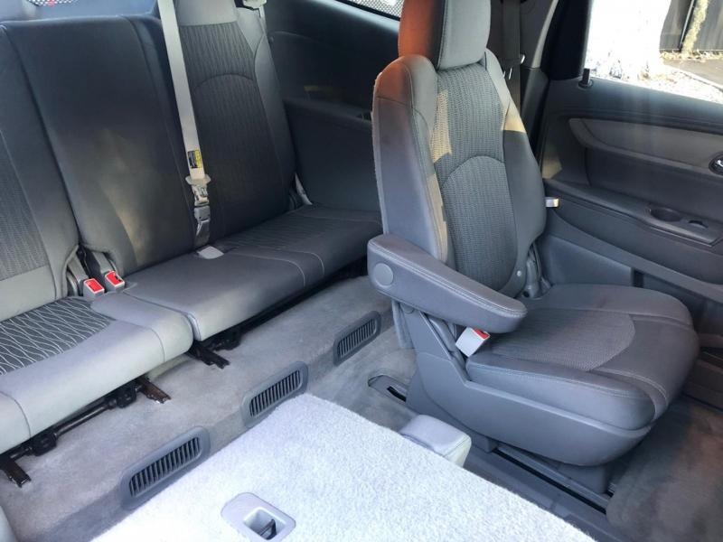 Chevrolet Traverse 2016 price $18,990