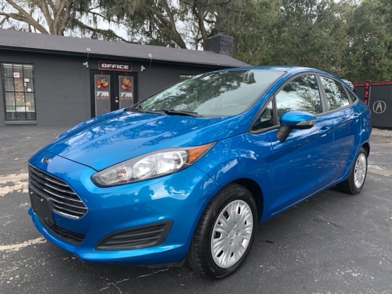 Ford Fiesta 2014 price $8,290