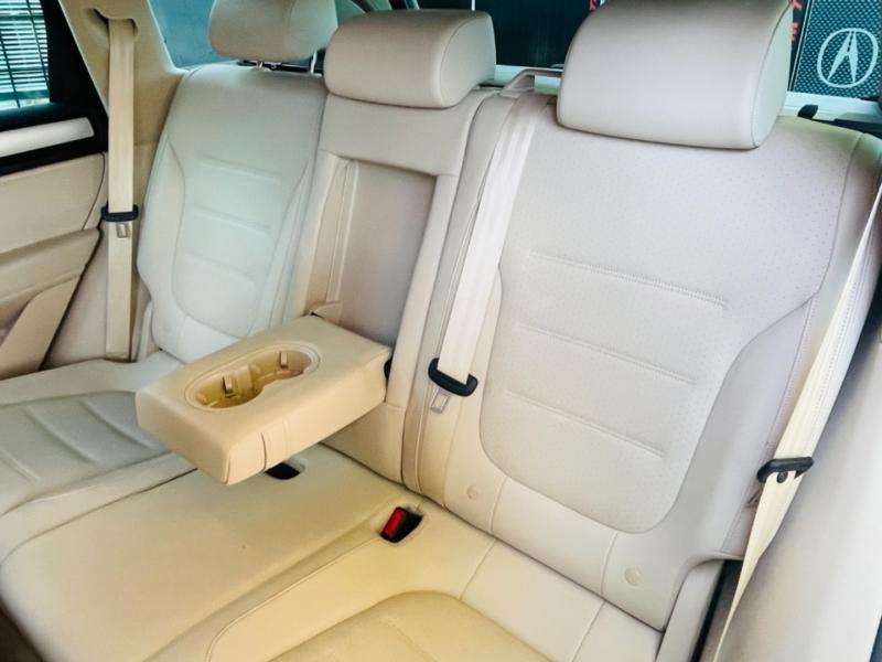 Volkswagen Touareg 2012 price $14,790