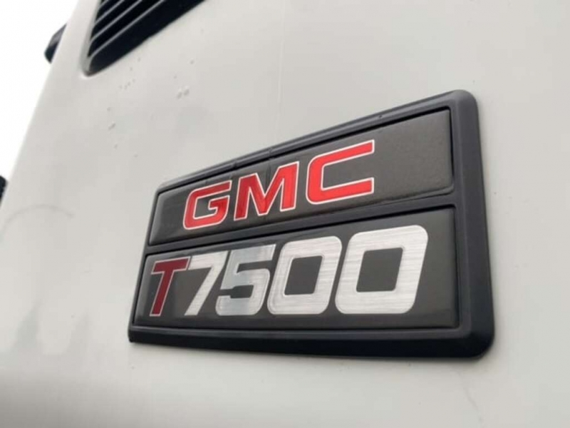 GMC T-Series 2000 price $16,888