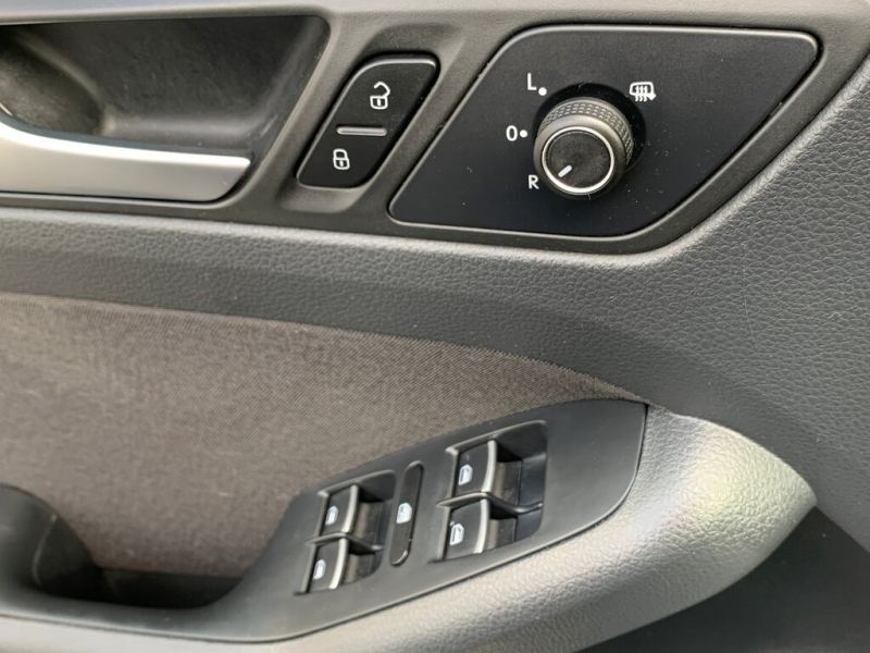 Volkswagen Jetta 2015 price $10,888